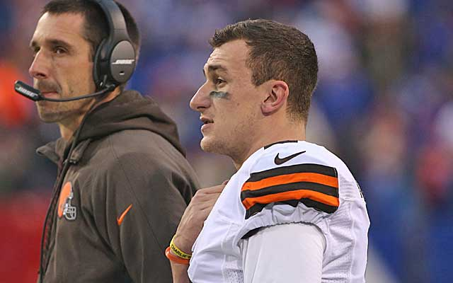 Kyle Shanahan was reportedly irked at pressure from ownership to play Johnny Manziel.  (Getty Images)