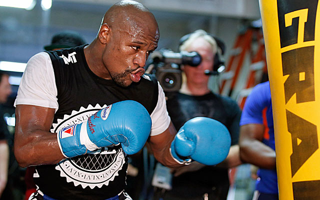 Floyd Mayweather spent 60 days in jail in 2012 for a domestic violence conviction.  (Getty Images)