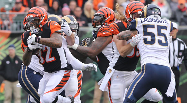 LIVE: Bengals extend lead over Rams on Eifert TD
