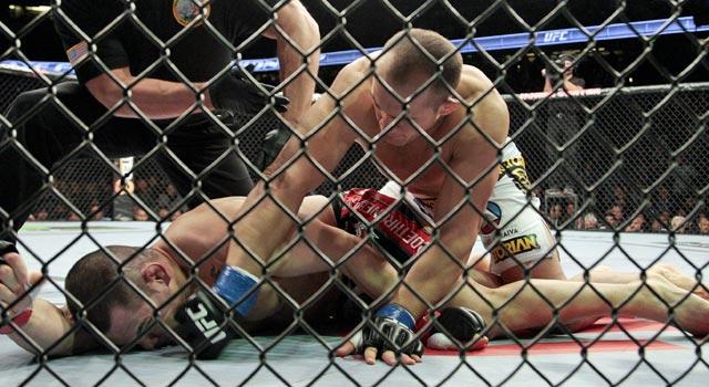 Junior Dos Santos takes Cain Velasquez's heavyweight belt and improves ...