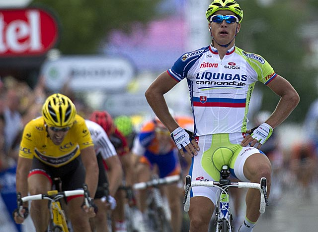 Sagan beats Tour leader Fabian Cancellara in a sprint to take Stage 1. (Getty Images)