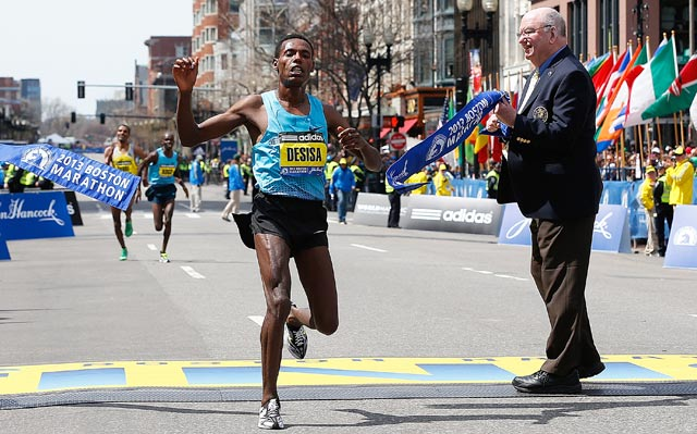 Ethiopia's Lelisa Desisa proves strongest in a sprint down Boylston Street. (Getty Images)