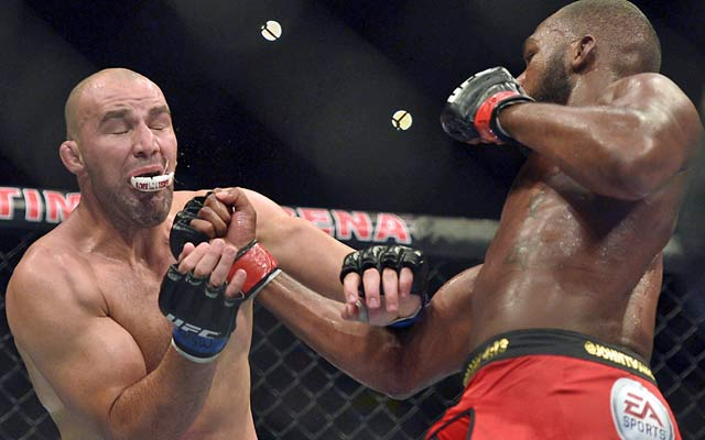 Jon Jones makes quick work of Glover Teixeira in successfully defending his title. (USATSI)