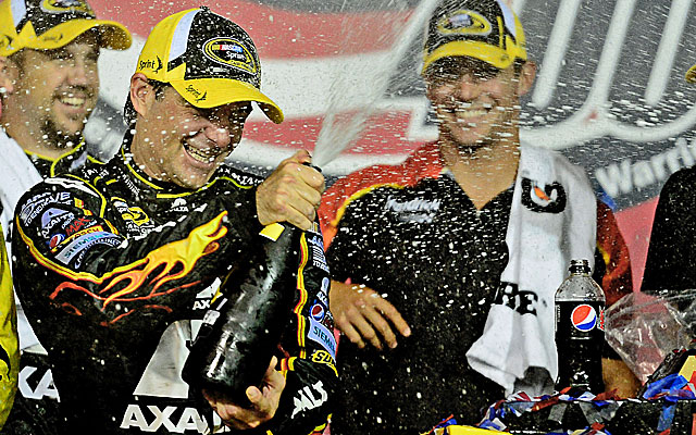 Jeff Gordon beats Kevin Harvick to the line at Kansas for his first win of the season. (USATSI)