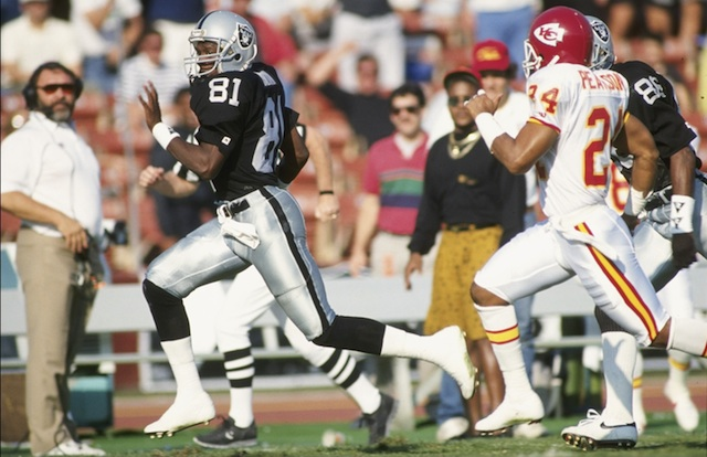 Tim Brown the oldest player to register 12-plus catches in a single game.  (Getty Images)