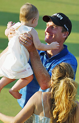 Jim Furyk celebrated his 2003 U.S. Open victory on Father's Day thanks to a little help from his dad. (Getty Images)