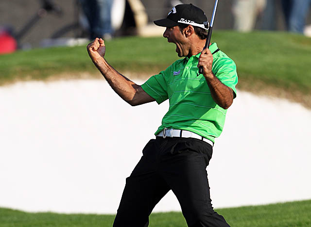 Tied with Paul Lawrie much of the day, Alvaro Quiros sinks an eagle at No. 18 for the win. (Getty Images)