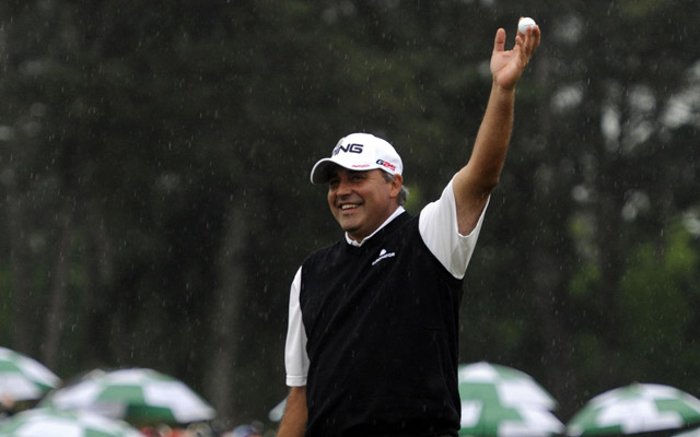 Angel Cabrera celebrates making a birdie on No. 18 to send the Masters into a playoff. (USATSI)