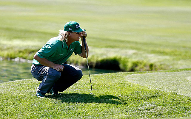 Charley Hoffman shoots a 61, one shy of the course record at TPC River Highlands to hold the Travelers lead. (USATSI)