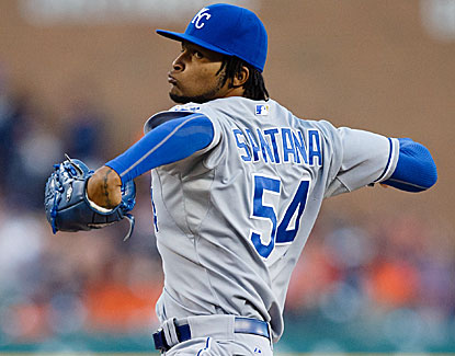The Royals, desperate to make the playoffs, get a big boost from Ervin Santana, who goes 6 2/3 innings and strikes out five. (USATSI)