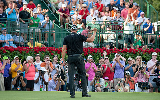 Henrik Stenson becomes the first European to win the Tour Championship and the FedEx Cup. (USATSI)