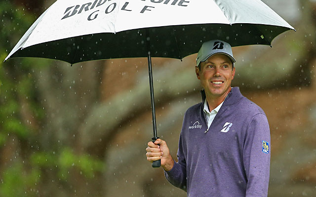 Matt Kuchar falls out of a share of the lead with a 4-over start through six holes. (Getty Images)