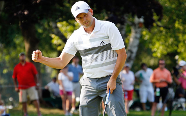 Sergio Garcia goes on a tear, ending with seven straight birdies at Firestone. (Getty Images)