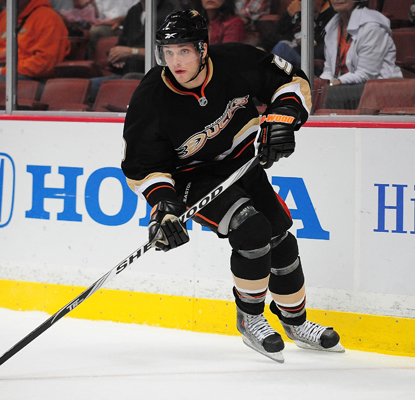 The Ducks' Bobby Ryan's third-period goal proves to be the game's difference maker.  (US Presswire)
