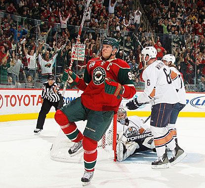Mikko Koivu's first two goals of the season are 52 seconds apart on the power play. (Getty Images)