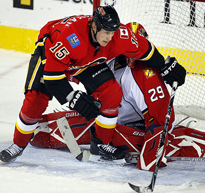 Even when screened in his crease, goalie Tomas Vokoun is unbeatable on this night in Calgary. (AP)