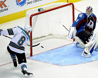 Joe Pavelski has it too easy, scoring the first of his two power-play goals in the second period. (AP)