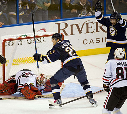 Patrick Berglund's tally on the power play secures a two-goal cushion for St. Louis. (US Presswire)