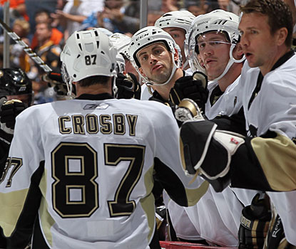 Sidney Crosby does his job, scoring both goals for the Penguins, but it's still not enough in the end. (Getty Images)