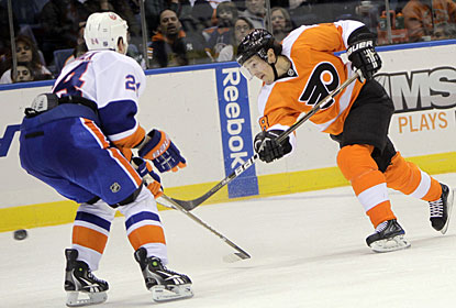 Danny Briere notches the tiebreaker goal and now leads the Flyers in goals scored so far this season with 14. (AP)