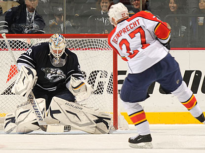 Rookie Anders Lindback makes one of his better saves on Steve Reinprecht to collect his first clean sheet. (Getty Images)