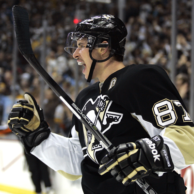Crosby ups his scoring streak to 22 games after scoring a goal in the first period.  (Getty Images)