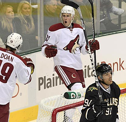 Kyle Turris scores one, and the Coyotes hold on to down the Stars. (AP)