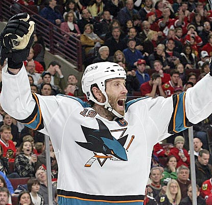 Joe Thornton's third-period goal snaps a 3-3 tie after the Sharks blow a 3-1 lead. (Getty Images)