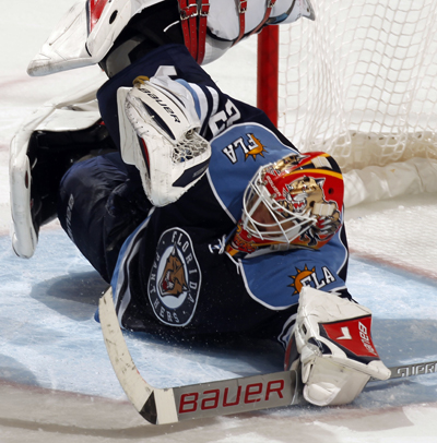 Tomas Vokoun stops 32 shots and captures his fifth shutout -- 43rd overall -- of the season. (US Presswire)