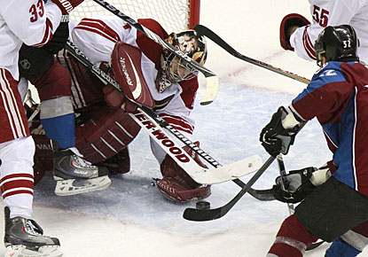 Replacing Ilya Bryzgalov in net, Jason LaBarbera stops 34 shots for his second shutout this season. (AP)