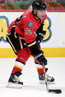 Calgary might be looking to ask Jarome Iginla to waive his no-trade clause. (Getty Images)
