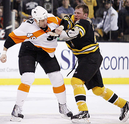 Even with all the scoring going on, Jody Shelley (PHI) and Shawn Thornton (BOS) could not abstain from putting up a fight. (US Presswire)