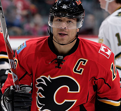 Jarome Iginla has the longest current streak of scoring 20-goal seasons and is within reach of 30 for the 10th straight time. (Getty Images)