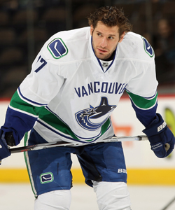 So far this season, Kesler has 30 goals and 20 assists. (Getty Images)