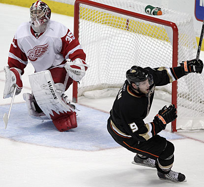 Bobby Ryan's 30th goal of the season comes on this penalty shot conversion halfway through overtime. (AP)