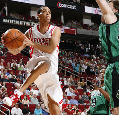 Kevin Martin contributes with 25 points to help Houston end a four-game losing streak to Boston. (Getty Images)