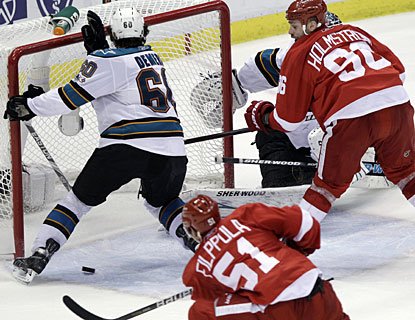 Valtteri Filppula's second goal of these playoffs comes at the most fitting time for the Red Wings. (AP)