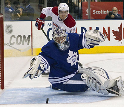 James Reimer starts the season in style for Toronto, making 32 saves to earn his fourth career NHL shutout. (AP)