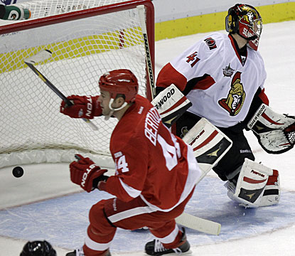 Todd Bertuzzi gets the Red Wings going this season with the team's first goal late in the opening period. (AP)
