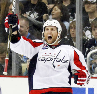 Dennis Wideman finds the back of the net in overtime to give the Capitals the win in Pittsburgh.  (Getty Images)