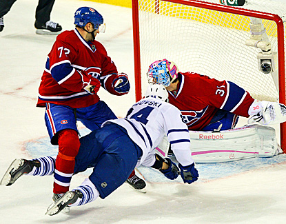 Mikhail Grabovski's third goal this season is the winner for Toronto 1:23 into overtime. (AP)