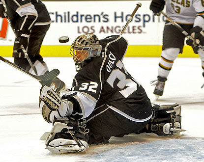 Jonathan Quick has not conceded a goal in 188:10 to set a new record for the Los Angeles Kings. (US Presswire)