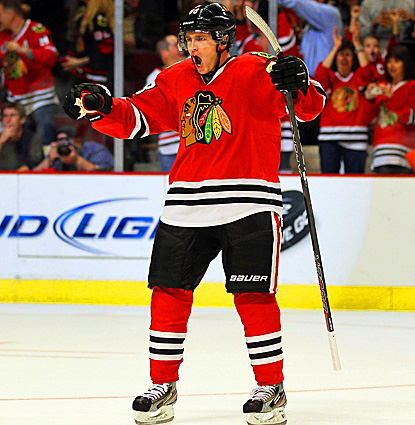 Chicago's Patrick Kane records two assists and the deciding shootout goal against Anaheim.  (Getty Images)