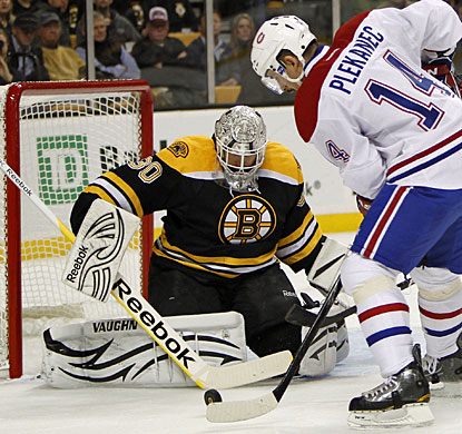 Tomas Plekanec makes up for a Bruins goal that he puts past Carey Price with the tiebreaker in the third period. (US Presswire)