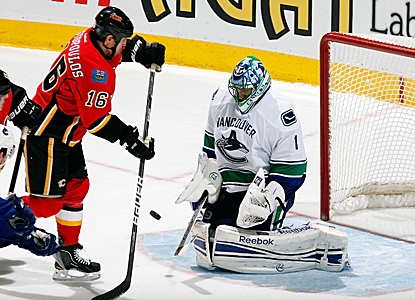 Goalie Roberto Luongo sends back 28 saves for the Canucks in a laugher. (AP)