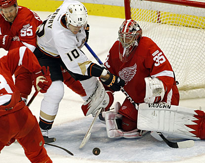Nothing gets by goalie Jimmy Howard on this night as he stops 22 shots for his seventh NHL shutout. (AP)