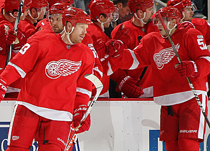 Johan Franzen enjoys a hat trick for his surging Red Wings.  He has eight goals and 13 points in Detroit's seven wins. (Getty Images)
