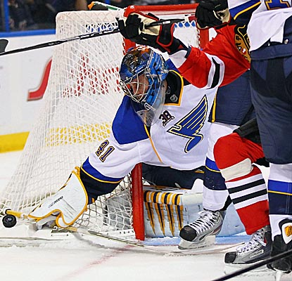 Jaroslav Halak makes 29 saves to shut out the Blackhawks and earn Ken Hitchcock his first win with the Blues. (Getty Images)