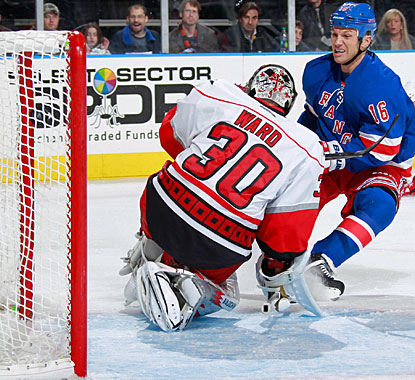 Sean Avery scores his first goal since returning to the Rangers last weekend after his stint in the AHL. (Getty Images)