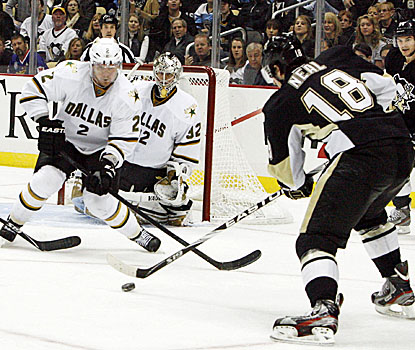 Pittsburgh's James Neal nets his 10th and 11th goals of the season against his former Dallas teammates. (US Presswire)
